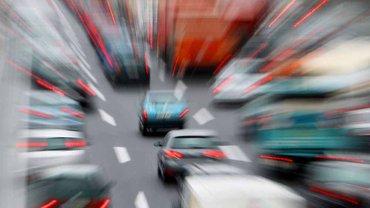 Für die Sicherheit auf den Straßen sorgen 30.000 Beschäftigte bei den Straßenbauverwaltungen