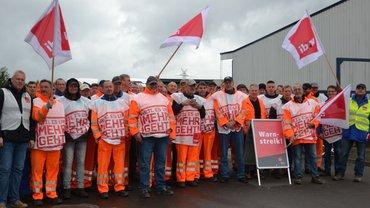 Die Mitarbeiter von Remondis in Brunsbüttel im Warnstreik Anfang Oktober 2017